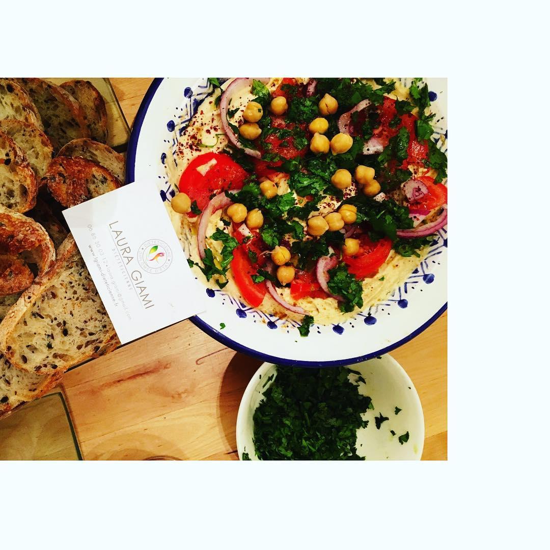 Houmous light home made  Recettes et articles sur mon site internet : lgiami-dieteticienne.fr