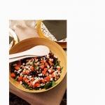 Une idée simple et gourmande pour votre diner de ce soir ? Cette salade de patate douce / betterave / fêta / pousses d'épinard / graines de courge accompagné de sa vinaigrette maison vous ira à merveille 👠 Merci a La best @anouknat  Recettes et articles sur mon site internet : lgiami-dieteticienne.fr