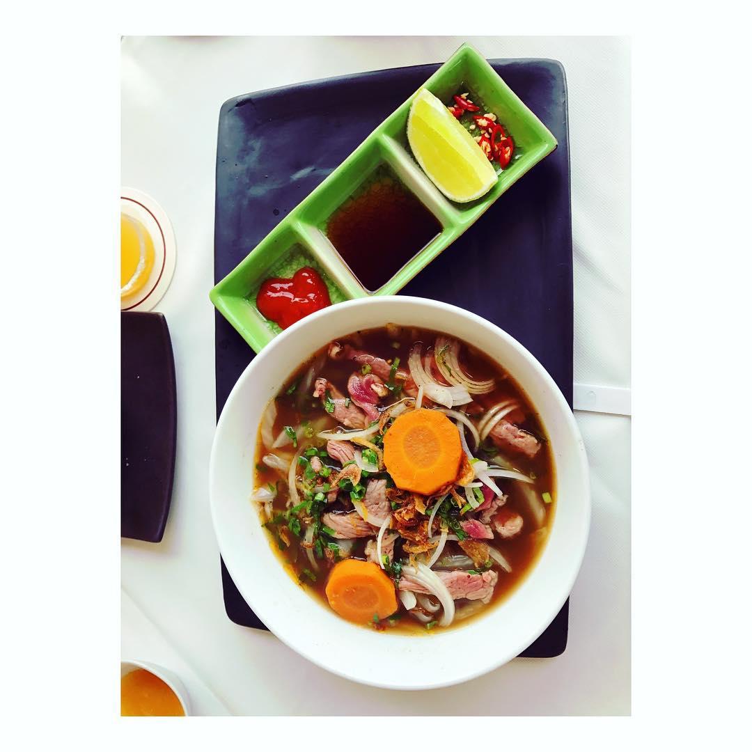 Repas équilibré avec ce Phò venu tout droit du Recettes et articles sur mon site internet : lgiami-dieteticienne.fr